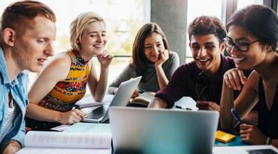 Confira 10 dos melhores idiomas para aprender para negócios