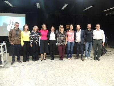 Coordenadores promovem palestra para funcionários de empresas conveniadas