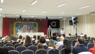 Funcionários e familiares participam do Culto de Encerramento do Ano Letivo