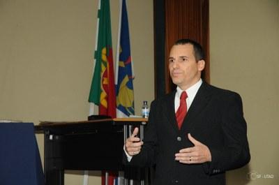 Professor da Faculdade conquista título de doutorado em Portugal